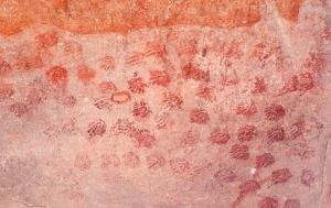 Stencil di 6000 anni fa nella grotta di Elands Bay, Sudafrica (Geoffrey Blundell, South African Rock Art Digital Archive)