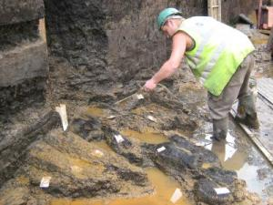 La struttura è stata trovata a 4.7 metri di profondità (UCL)