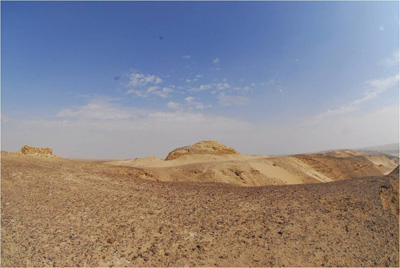 La piramide vista da lontano (BYU Egypt Excavation Project)