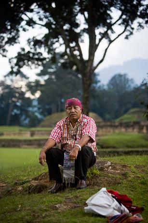 """L'anziano Maya Apolinario Chile Pixtun """"ne ha abbastanza di questa roba"""" (Moises Castillo, AP)"""
