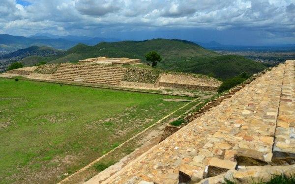 Il sito archeologico di Atzompa (INAH)