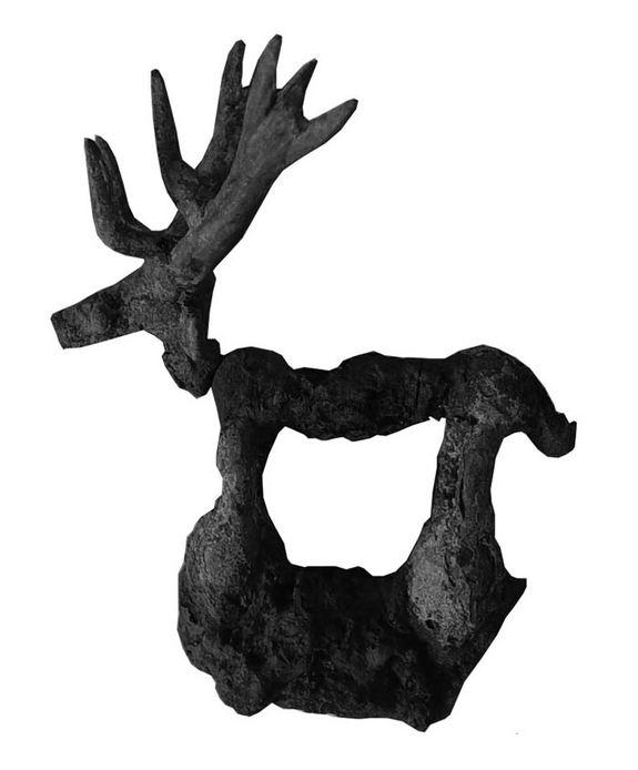 Un cervo fatto di bronzo e ferro (Valentina Mordvintseva)