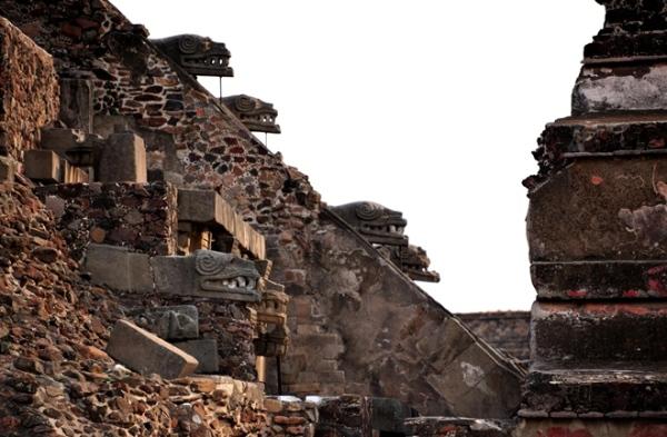 Il tempio di Quetzalcoatl (DMC, INAH/M. Marat)