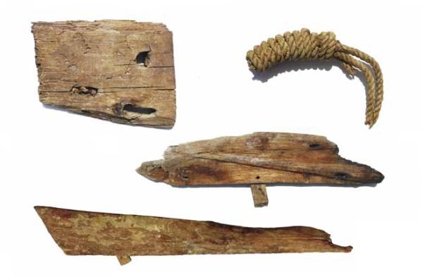 Frammenti di imbarcazioni e funi (Pierre Talle)
