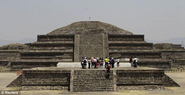 Il tempio di Quetzalcoatl (Reuters)