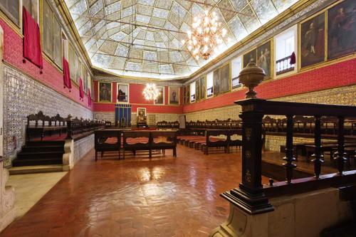 (Universidade de Coimbra)