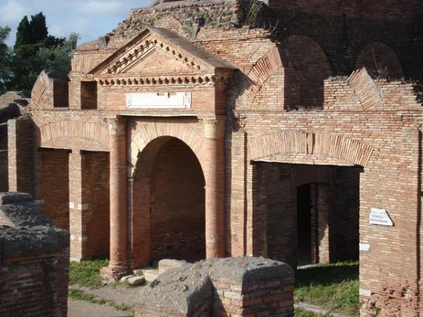 Gli horrea di Ostia (Soprintendenza speciale per i beni archeologici di Roma)