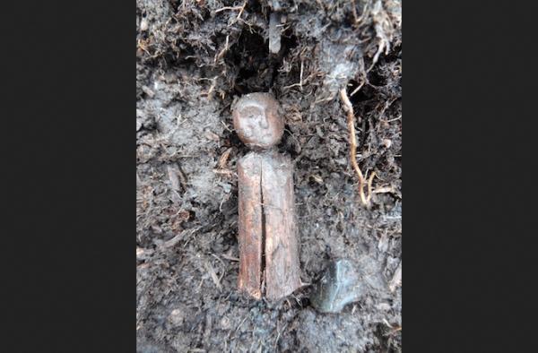 Secondo Pitts erano usate come giocattoli e nei rituali, e per rappresentare le persone assenti durante degli eventi importanti (University of Aberdeen)