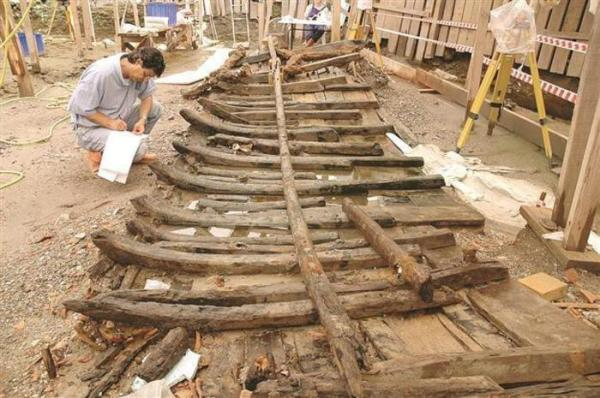 Una delle navi ritrovate dalla missione di archeologi dell'università di Istanbul (ANSA)