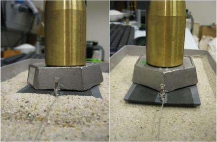 Il test in laboratorio. Una grande quantità di sabbia si accumula davanti al traino quando questo viene tirato sopra della sabbia secca (sinistra). Sulla sabbia umida ciò invece non succede (destra) (Università di Amsterdam)