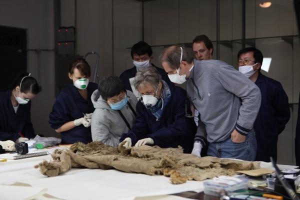 Un altro ritrovamento: una pelliccia dell'800 a.C. (Joy Zhou)