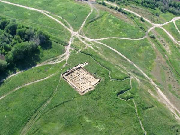 (Belyalov O., ArchaeologicalExpertise Scientific-Research Organization, Kayalyk ancient settlement. Adronment for plait (Kazakhstan)