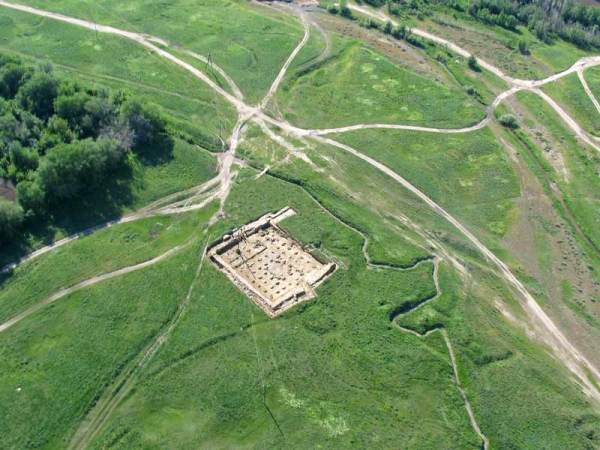 (Belyalov O., ArchaeologicalExpertise Scientific-Research Organization, Kayalyk ancient settlement. Adronment for plait (Kazakhstan)