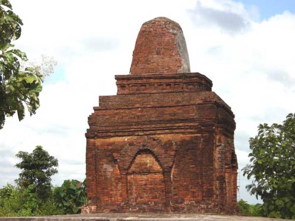 (Department of Archaeology, National museum & Library, Be Be Stupa, Sri Ksetra )