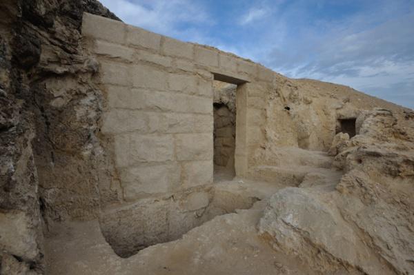 Un muro della tomba restaurato (Maksim Lebedev)