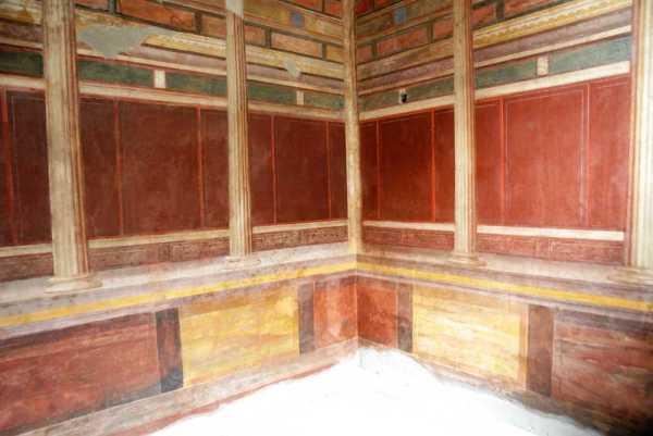 Stanza con decorazione II stile - dopo il restauro (MiBACT)