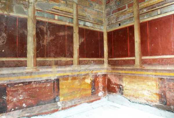Stanza con decorazione II stile - prima del restauro (MiBACT)