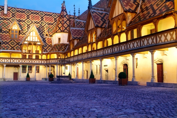 (Office de Tourisme de Beaune)
