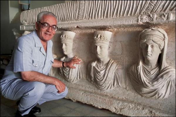 Khaled Asaad, direttore del sito archeologico di Palmira, torturato e ucciso dall'ISIS (Marc Deville, Gamma-Rapho, Getty)