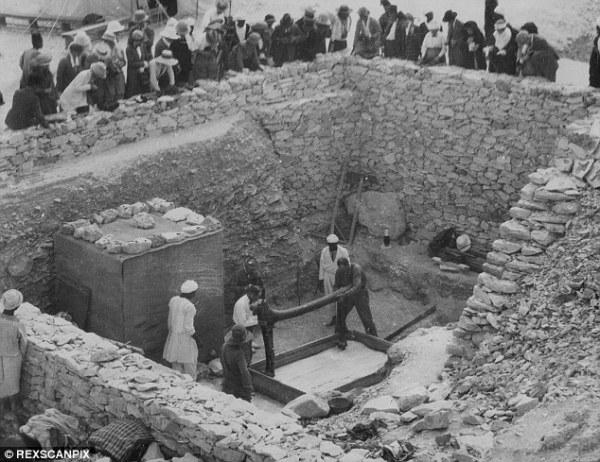 Lo scavo del 1922 (REXSCANPIX)
