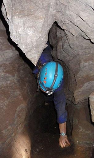 Un passaggio della grotta (Elen Feuerriegel)