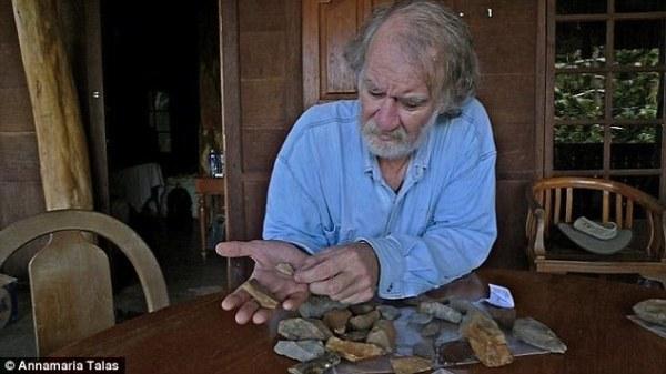 """Anche il professore Mike Morwood, lo """"scopritore"""" dell'Homo floresiensis, aveva preso parte allo studio (Annamaria Talas)"""