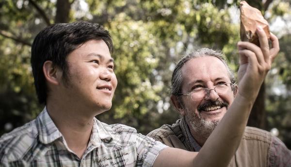 I ricercatori Van den Bergh e Bo Li (University of Wollongong)