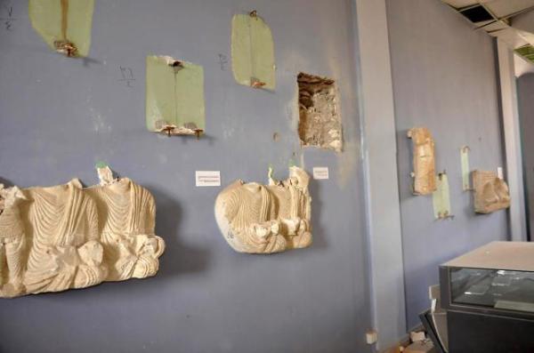 L'interno del museo vandalizzato (REUTERS/SANA/Handout via Reuters)