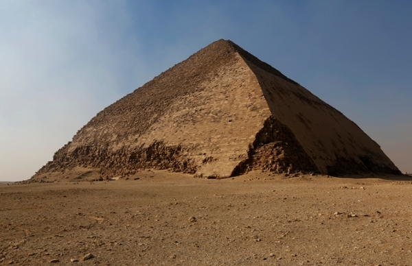 La piramide romboidale (Egyptian Ministry of Antiquities, HIP Institute and the Faculty of Engineering, Cairo University)