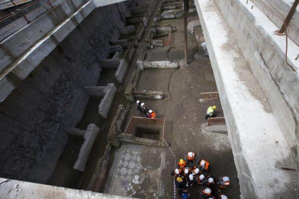 A view of ancient roman ruins discovered during work on a new underground line, in Rome, Monday, May 16, 2016. Work on the Metro C being built through the center of Rome has once again run into ancient roman ruins, this time the barracks for the Roman Praetorian guards dating back to the period of Emperor Hadrian, in the second century A.D. Officials say the barracks cover 900 square meters, and include a 100 meter hallway with 39 rooms. (ANSA/AP Photo/Alessandra Tarantino) [CopyrightNotice: Copyright 2016 The Associated Press. All rights reserved. This material may not be published, broadcast, rewritten or redistribu]