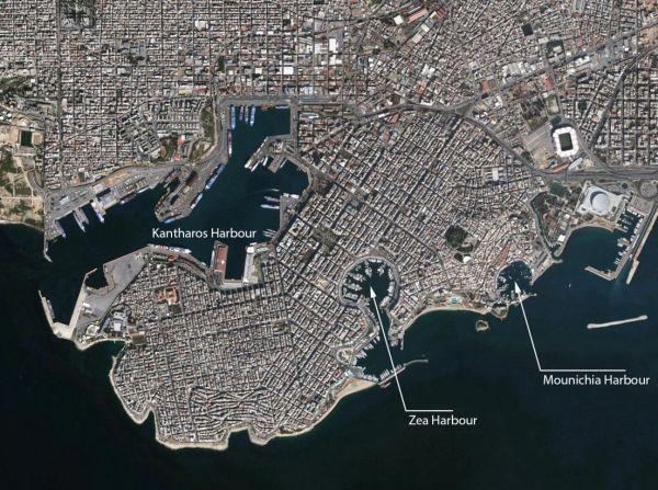 Foto satellitare dei porti di Zea e Munichia (GoogleEarthPro)