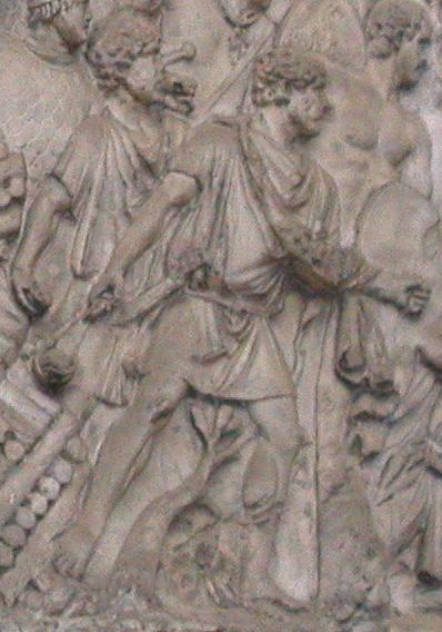 Frombolieri raffigurati sulla Colonna Traiana (Wikimedia)