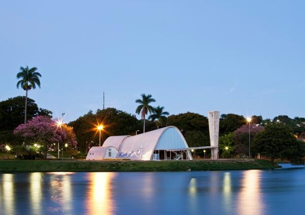 Pampulha Modern Ensemble: View of the São Francisco de Assis Church from the lagoon (Marcilio Gazzinelli)