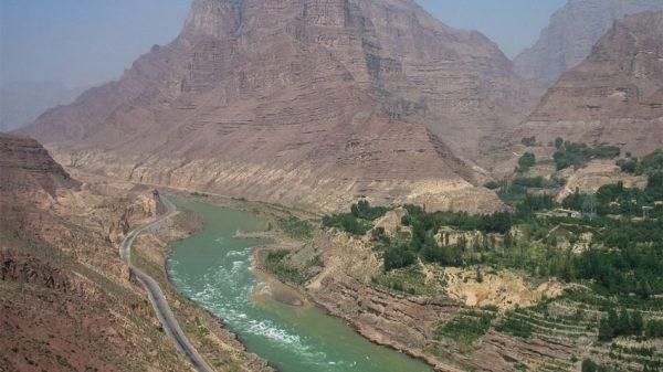 La gola dei monti Jishi sul Fiume Giallo (Qinglong Wu)