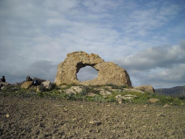 Il megalite di San Cipirello (gioburgio.wordpress.com)