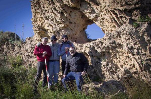 Il gruppo di amici che ha fatto la scoperta (La Sicilia)
