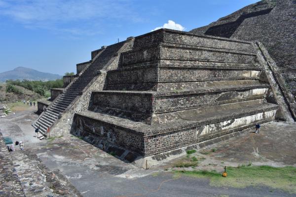 teotihuacan piramide della luna imaging tunnel
